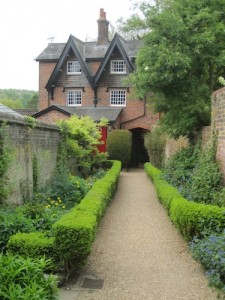 bridgend_gardens_entrance