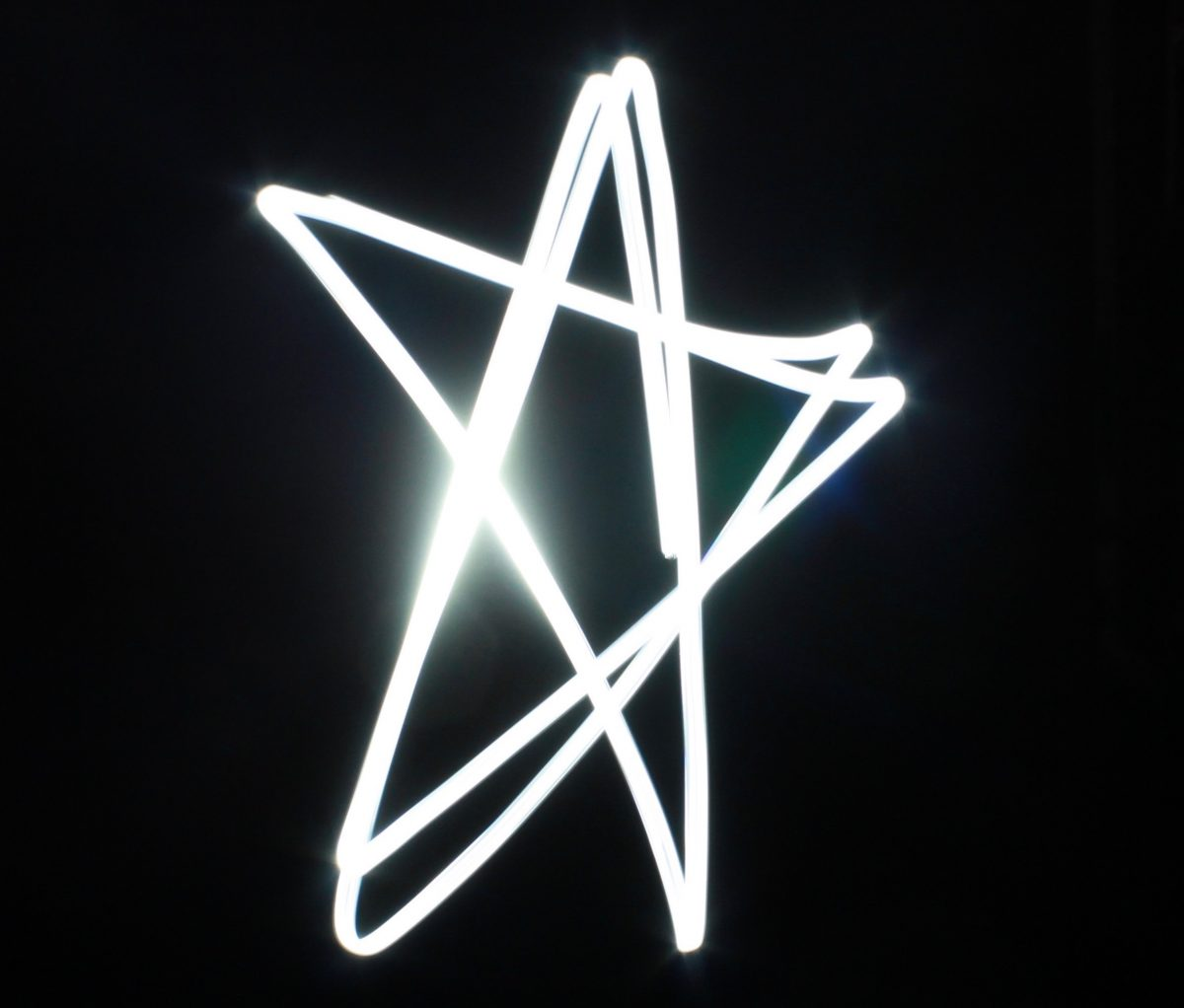 Teresa Flavin new year resolution 2018 star made with torch flashlight